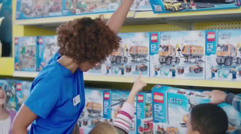 Toys R Us Free LEGO Village Set TV Spot, 'Imagination Comes to Life' - Thumbnail 8