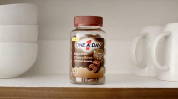 One A Day VitaCraves ChewyBites TV Spot, 'Morning Routine' - Thumbnail 3
