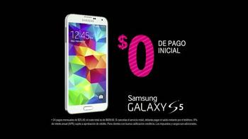 T-Mobile Plan Familiar TV Spot, 'Samsung Galaxy S5' [Spanish] - Thumbnail 6