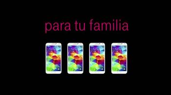 T-Mobile Plan Familiar TV Spot, 'Samsung Galaxy S5' [Spanish] - Thumbnail 7
