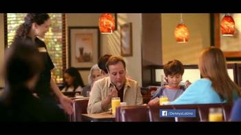 Denny's Pumpkin Pancakes Breakfast TV Spot [Spanish] - Thumbnail 1