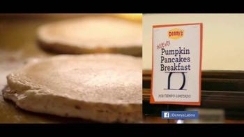 Denny's Pumpkin Pancakes Breakfast TV Spot [Spanish] - Thumbnail 3