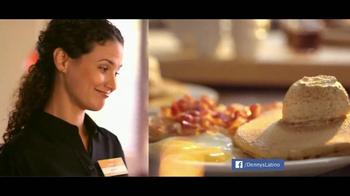 Denny's Pumpkin Pancakes Breakfast TV Spot [Spanish] - Thumbnail 6
