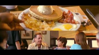Denny's Pumpkin Pancakes Breakfast TV Spot [Spanish] - Thumbnail 8