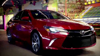 2015 Toyota Camry TV Spot, 'Parque' [Spanish] - Thumbnail 4