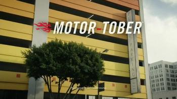 2015 MINI Cooper S Hardtop TV Spot, 'Motor-Tober' - Thumbnail 1