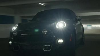 2015 MINI Cooper S Hardtop TV Spot, 'Motor-Tober' - Thumbnail 4
