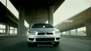 2015 Mitsubishi Mirage TV Spot, 'Find Your Own Lane' [Spanish] - Thumbnail 5