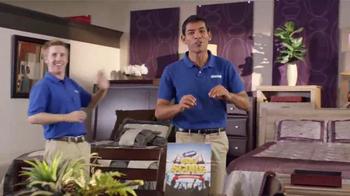 Aaron's Big Score Savings Event TV Spot, 'Rueda de Premios' [Spanish] - Thumbnail 5