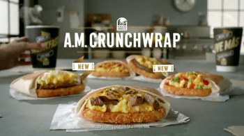 Taco Bell A.M. Crunchwrap TV Spot, 'Keycard' - Thumbnail 9