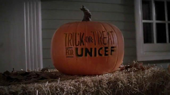Trick-or-Treat for UNICEF TV Spot, 'Calling All Superheroes!' - Thumbnail 1