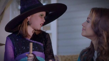 Trick-or-Treat for UNICEF TV Spot, 'Calling All Superheroes!' - Thumbnail 5