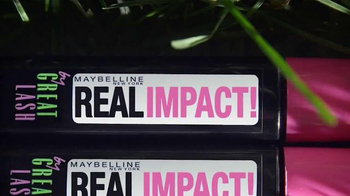 Maybelline New York Real Impact TV Spot, 'Volume Gets Real' - Thumbnail 10
