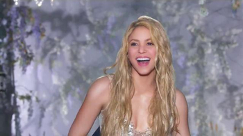 Crest 3D White Luxe TV Spot, 'The Power to Captivate' Featuring Shakira - Thumbnail 10