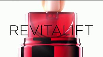 L'Oreal Paris Revitalift TV Spot, 'Un equipo' con Amber Valletta [Spanish] - Thumbnail 7