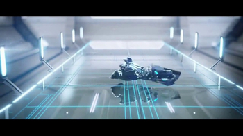 Schick Hydro TV Spot, 'Robot Razor Race' - Thumbnail 8