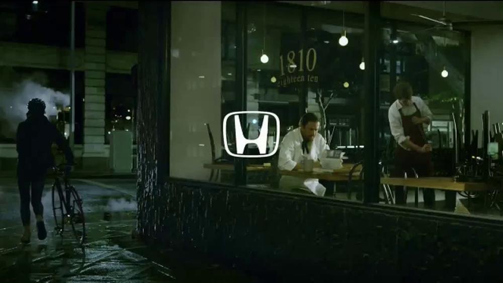 2017 Honda CR-V TV Commercial, 'The Chase' [T1]