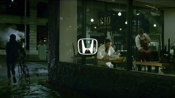 Honda 2017 CR-V TV Spot, 'The Chase' [T1] - 864 commercial airings