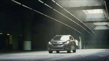 2017 Honda CR-V TV Spot, 'The Chase' [T1] - Thumbnail 9