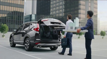 2017 Honda CR-V TV Spot, 'The Chase' [T1] - Thumbnail 8