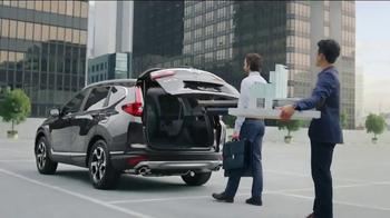 Honda 2017 CR-V TV Spot, 'The Chase' [T1] - Thumbnail 8