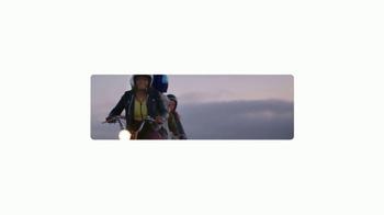 Google Pixel TV Spot, 'Scooter' - Thumbnail 2