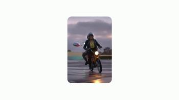 Google Pixel TV Spot, 'Scooter' - Thumbnail 4