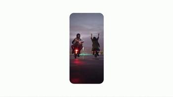 Google Pixel TV Spot, 'Scooter' - Thumbnail 5