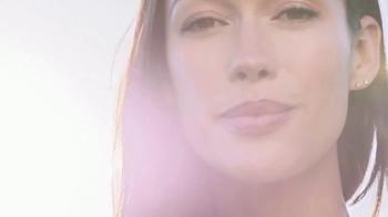Garnier SkinActive Moisture Bomb TV Spot, 'Moisture Barrier' - Thumbnail 2