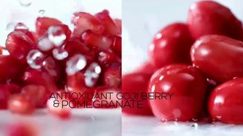 Garnier SkinActive Moisture Bomb TV Spot, 'Moisture Barrier' - Thumbnail 5