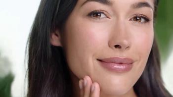 Garnier SkinActive Moisture Bomb TV Spot, 'Moisture Barrier' - Thumbnail 8