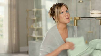 Aveeno Positively Radiant In-Shower Facial TV Spot, '60 Seconds' - Thumbnail 2