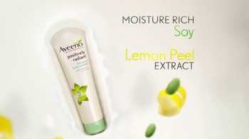 Aveeno Positively Radiant In-Shower Facial TV Spot, '60 Seconds' - Thumbnail 5