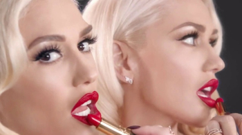 Revlon Super Lustrous Lipstick TV Spot, 'Make a Statement' Ft Gwen Stefani - Thumbnail 5