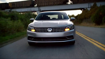 Volkswagen Presidents Day TV Spot, 'Road Trip in the Jetta' - Thumbnail 1