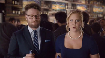 Bud Light TV Spot, 'Basketball' Featuring Seth Rogen, Amy Schumer - Thumbnail 5