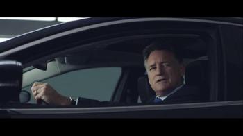2016 Chrysler 200 & 300 TV Spot, 'Picks' Feat. Martin Sheen, Bill Pullman - Thumbnail 4