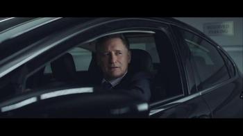 2016 Chrysler 200 & 300 TV Spot, 'Picks' Feat. Martin Sheen, Bill Pullman - Thumbnail 5