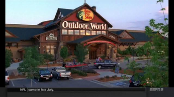 Bass Pro Shops Trophy Deals TV Spot, 'Hikers, T-Shirts and Easter Pictures' - Thumbnail 3