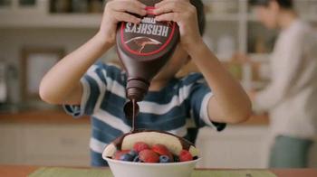 Hershey's Syrup Genuine Chocolate Flavor TV Spot, 'Mess' [Spanish] - Thumbnail 4
