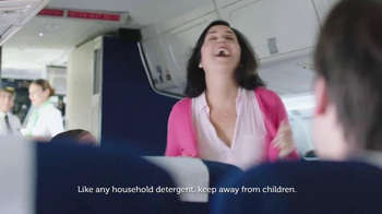 Gain Detergent TV Spot, 'Long Travel Day' Song by Tag Team - Thumbnail 6