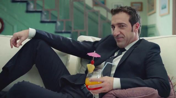 Allstate TV Spot, 'Mala Suerte: De Vacaciones con los Suarez' [Spanish]