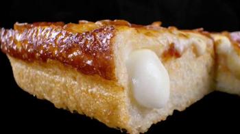 Little Caesars Stuffed Crust DEEP!DEEP! Dish Pizza TV Spot, 'Chorus' - Thumbnail 4