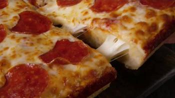 Little Caesars Stuffed Crust DEEP!DEEP! Dish Pizza TV Spot, 'Chorus' - Thumbnail 9