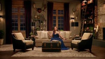 La-Z-Boy TV Spot, 'As the Room Turns: Demitri' Featuring Brooke Shields - Thumbnail 2