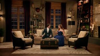 La-Z-Boy TV Spot, 'As the Room Turns: Demitri' Featuring Brooke Shields - Thumbnail 5