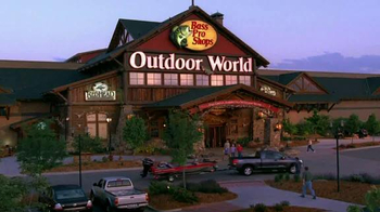 Bass Pro Shops Easter Event TV Spot, 'Cargo Shorts & Inflatable Vest' - Thumbnail 4