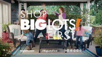 Big Lots TV Spot, 'Gettin' It: Patio Set' - Thumbnail 6