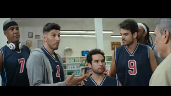Miller Lite TV Spot, 'Una quinta' [Spanish] - Thumbnail 7