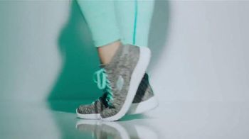 SKECHERS Burst TV Spot, 'Energía' con Demi Lovato [Spanish] - Thumbnail 7